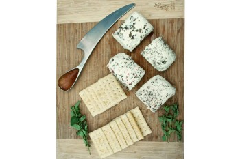Lively Run Garlic & Pepper Goat Chèvre (4oz)